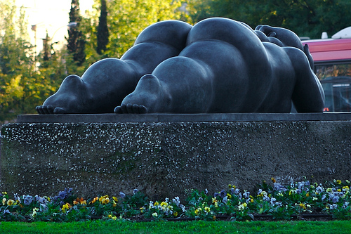 http://ladyfi.files.wordpress.com/2008/11/fat-lady-sculpture-botero.jpg
