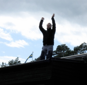 Janitor_on_roof