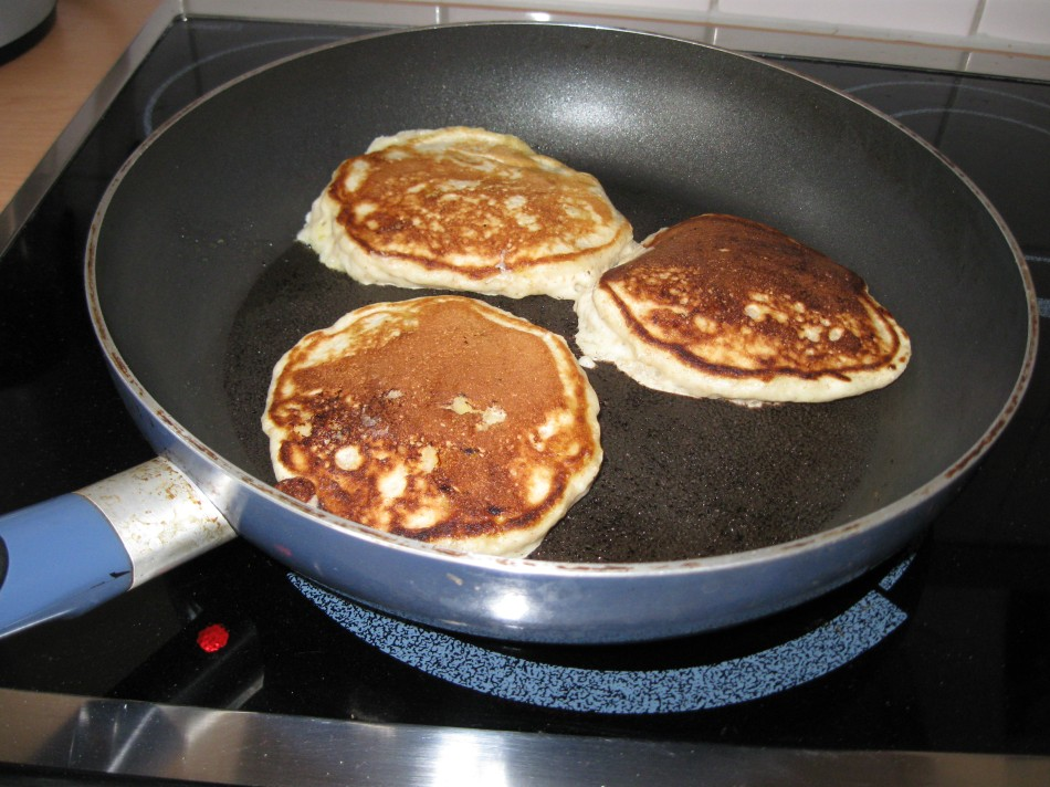 Not quite burnt - delicious - banana pancakes!