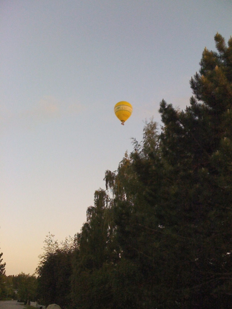 Hot air ballooning at 10 pm