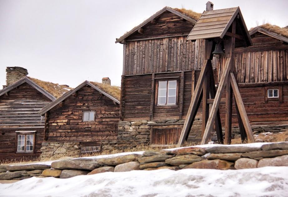 Mining huts