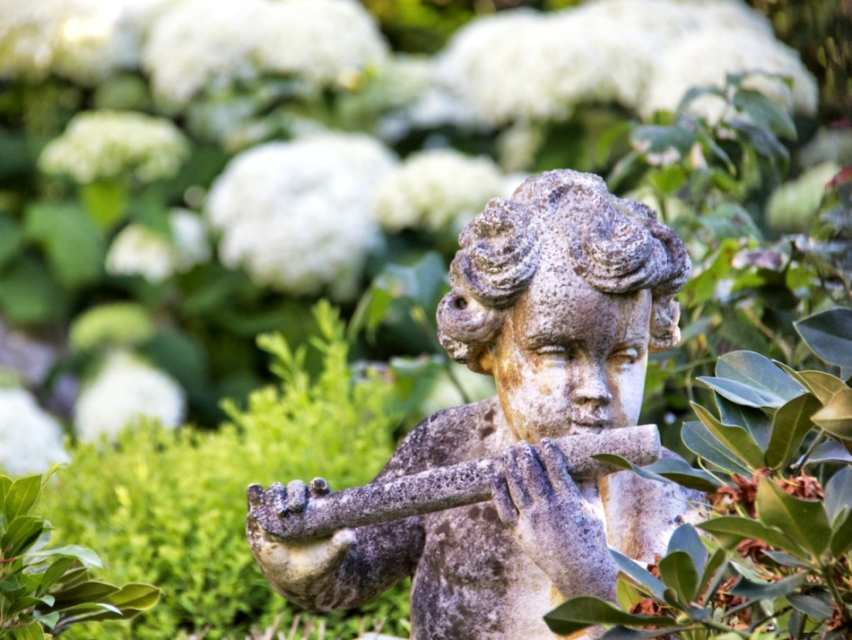 Child on flute
