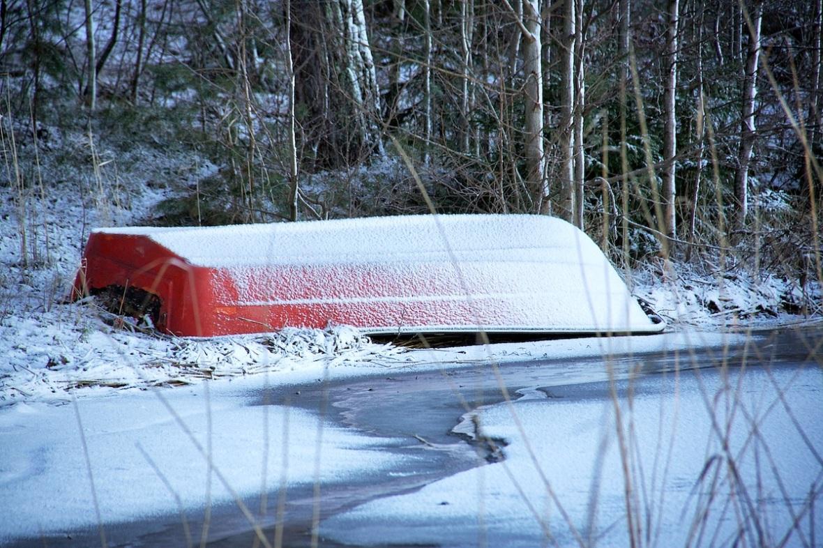 Orange boat.jpg