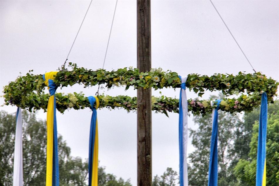 Pole details.jpg