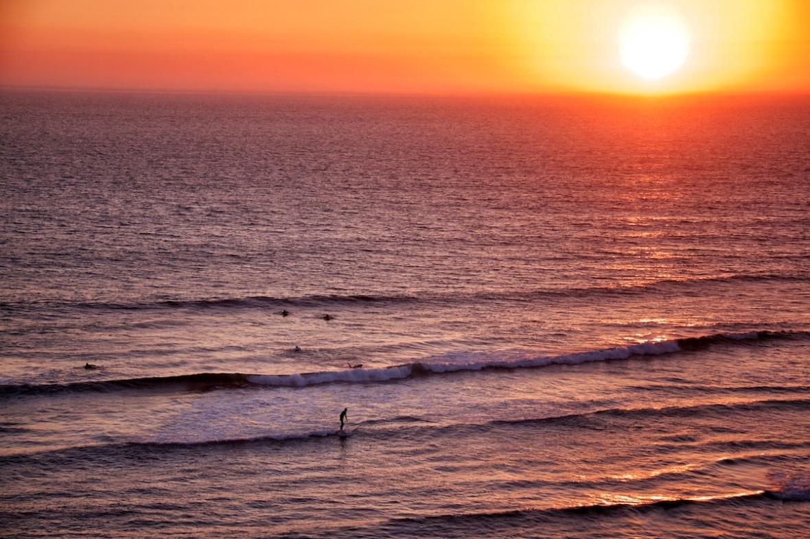 Surfing.jpg