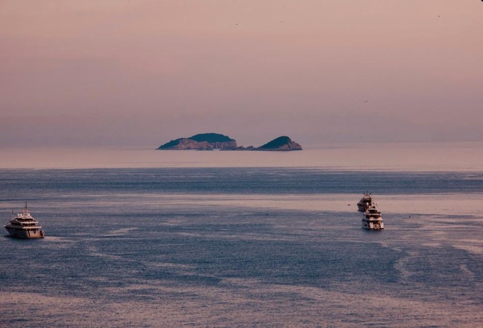 Island+boats.jpg